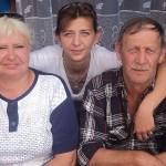 Чета Грабовецких с дочерью.